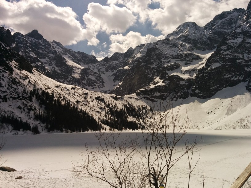 Morskie Oko in the winter.