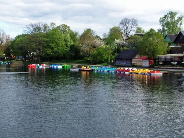 Lake Galve boats