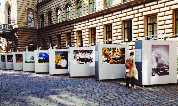 A photo exhibit outside the Saeima (Parliament Building) commemorates 25 years since the fall of the USSR.
