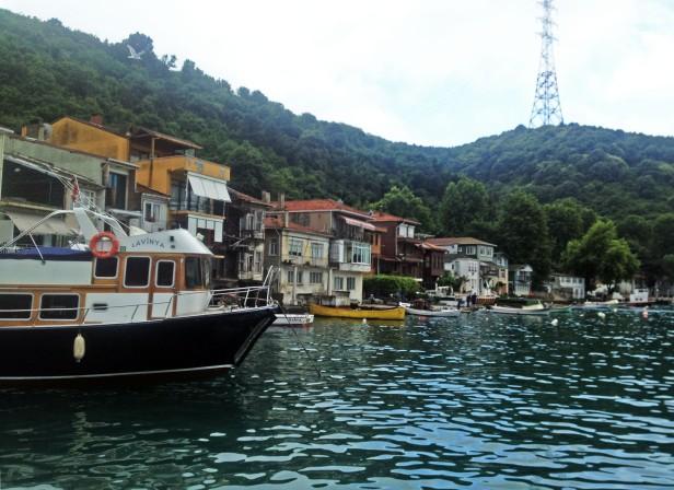 Houses and boats along the Anadolu Kavağı coast.
